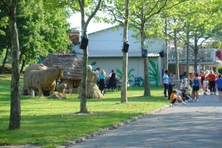 2004 Strohskulpturen ZDF Fernsehgarten_15