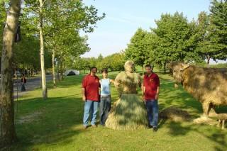2004 Strohskulpturen ZDF Fernsehgarten_18