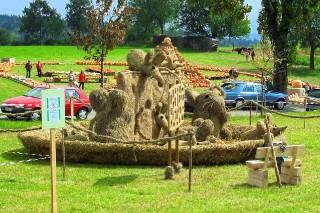 2009 Strohskulpturen Höchenschwand_25